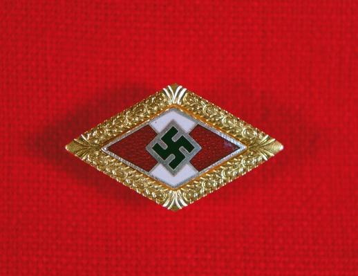 Hitler Youth gold lapel badge, Nazi Germany