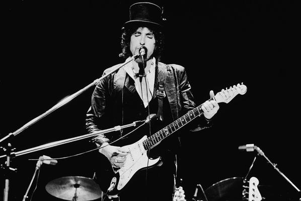Bob Dylan Performing In England | 20th Century Music Icons