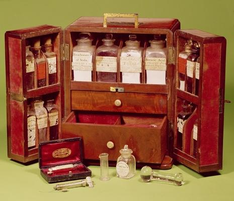 Medical chest by the Dinneford Family Chemist
