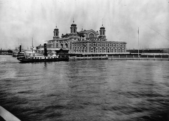 a history of the ellis island in the united states Immigrants of every ethnic background recall their extraordinary adventures, historians explore the sometimes insensitive national policies, and the ellis island oral history project reveals what the immigration experience was actually like.