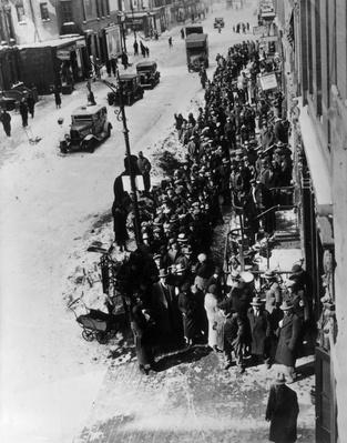 Queuing For Coal   The Great Depression   U.S. History