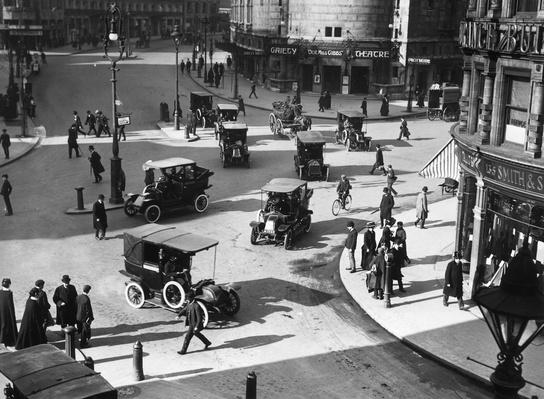 Strand Traffic | Evolution of the Automobile
