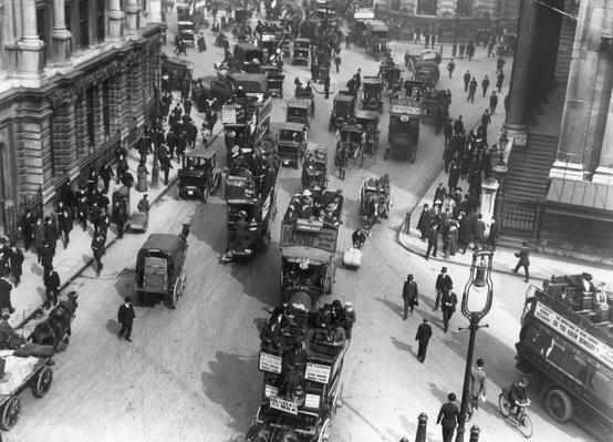 London Traffic | Evolution of the Automobile