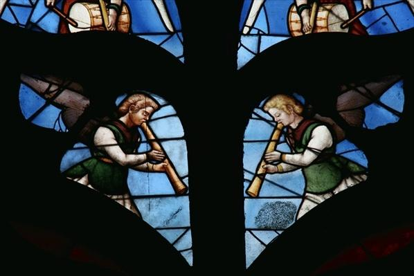 Window depicting Musical Angels