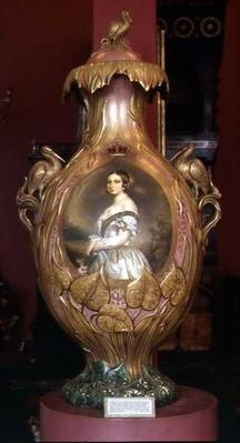 Commemorative vase with a portrait of Queen Victoria, 1851