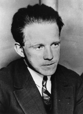 Werner Heisenberg | Famous Scientists