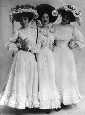 Three Little Maids | The Gilded Age (1870-1910) | U.S. History