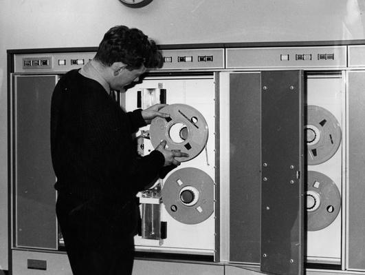 Loading Spool | History of the Computer