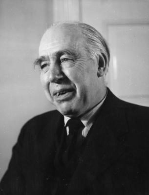 Niels Bohr | Famous Scientists