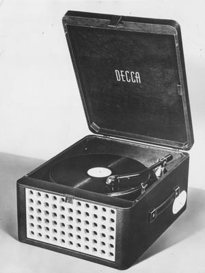 Record Player | Home Entertainment Technologies