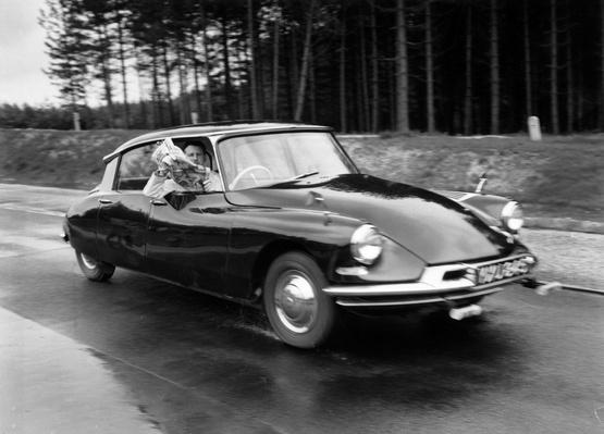 Citroen DS-19 | Evolution of the Automobile
