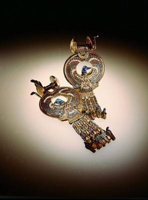 Earrings with hybrid birds with wings of falcons and heads of ducks, from the Tomb of Tutankhamun