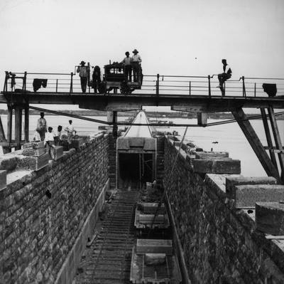 Bridge Builders | Evolution of the Railroad (Engine)