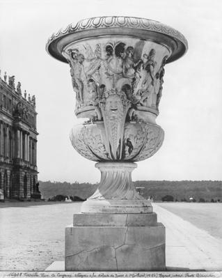 Monumental vase, allegory of the defeat of the Turks by the King's troops in 1664, 1684-85
