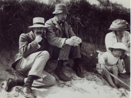 Saxon Sydney Turner, Clive Bell, Virginia Stephen and Julian Bell at Studland in Dorset, 1910
