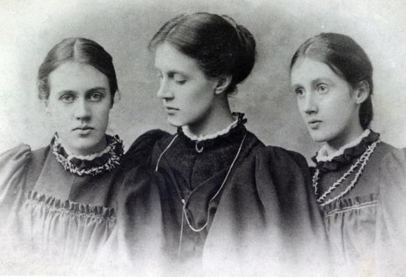 Stella, Vanessa and Virginia Stephen, c.1896