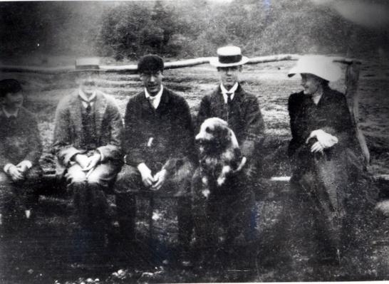 James and Lytton Strachey with Thoby, Adrian and Virginia Stephen in Fritham, Hampshire, 1901