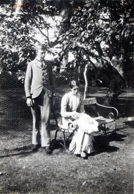 Adrian and Virginia Stephen, 1900