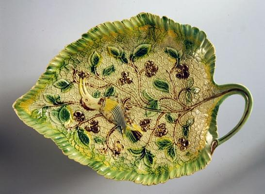 Leaf-shaped dish decorated with vines and exotic bird, 1760-70