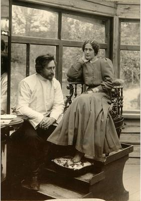 The author Leonid Andreyev with his wife Alexandra Michailovna
