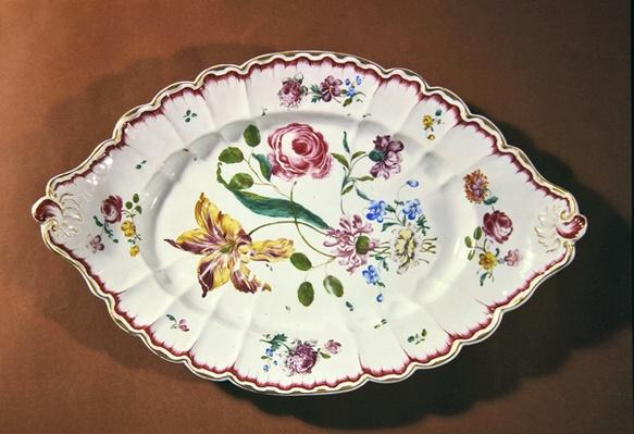 Serving dish for a soup tureen