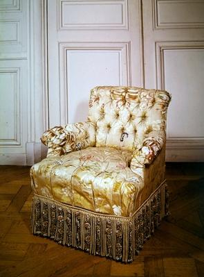 Squat armchair, Second Empire Style