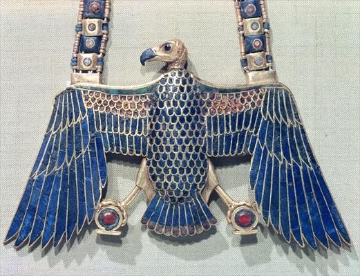 Necklace with vulture pendant, from the tomb of Tutankhamun