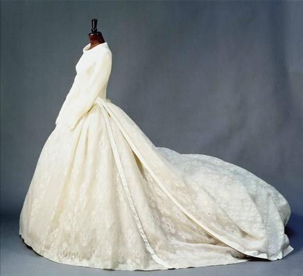 Wedding dress of Katharine Worsley, Duchess of Kent, 1961