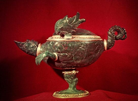 Bloodstone vase in the shape of a dragon