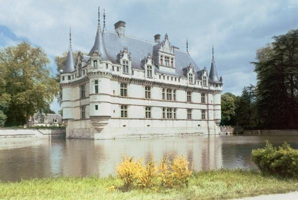 Exterior view of the Chateau d'Azay-le-Rideau, built for Gilles Berthelot, 1518-27