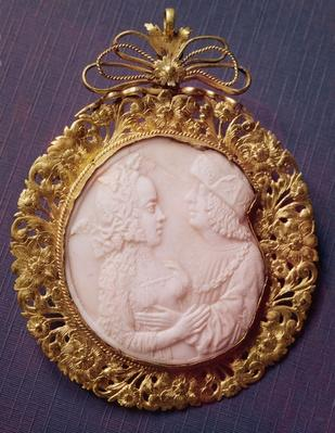 Cameo with two portraits