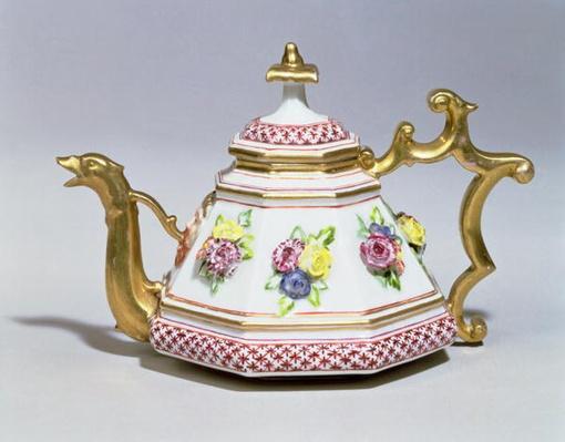 Meissen octagonal teapot, c.1718