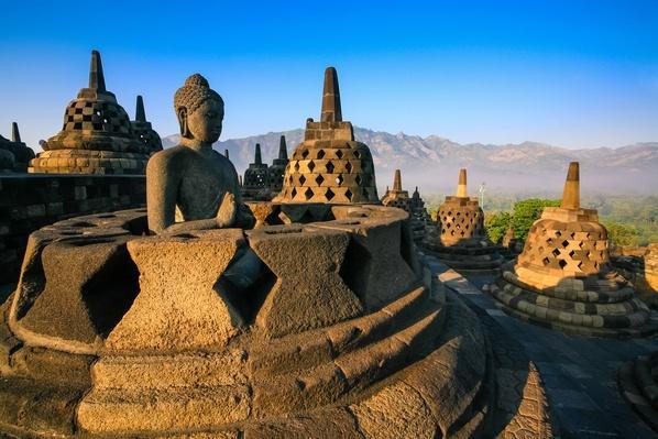 Borobudur stupa | World Religions: Buddhism