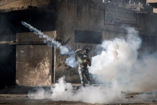 Palestinian Youth And Israeli Police Clash In Jerusalem | Palestine-Israel Conflict