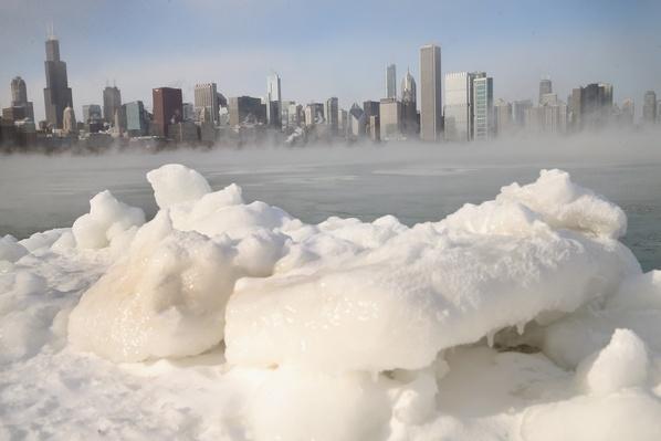 Sub-Zero Temperatures Put Chicago Into Deep Freeze | Weather
