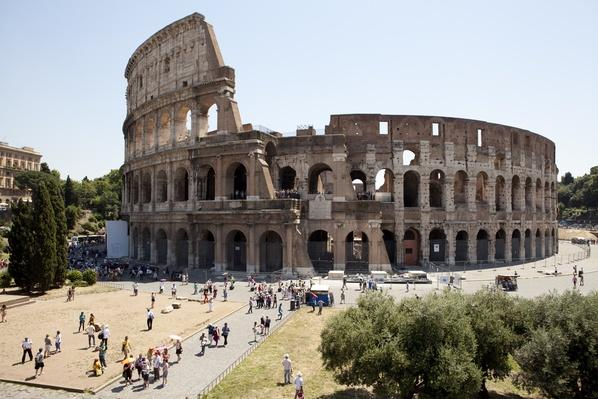 The Colosseum in Rome | Monuments and Buildings