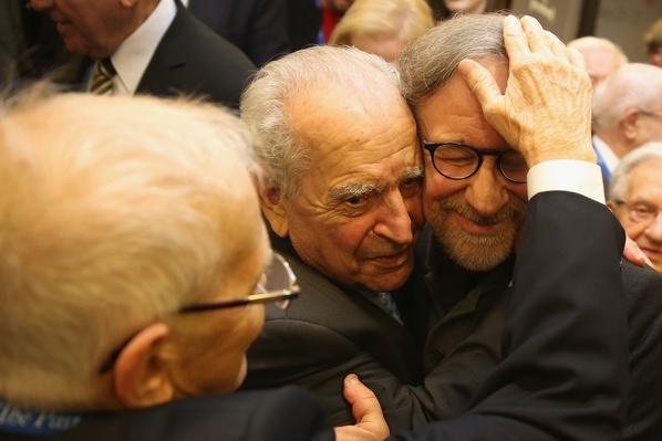 Steven Spielberg Joined by Hundreds of Auschwitz Survivors | Remembering the Holocaust