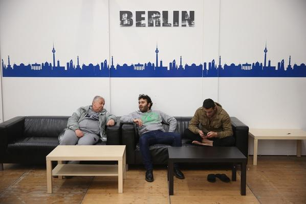 Germany Expects More Refugees In 2015 | Conflicts: Syria