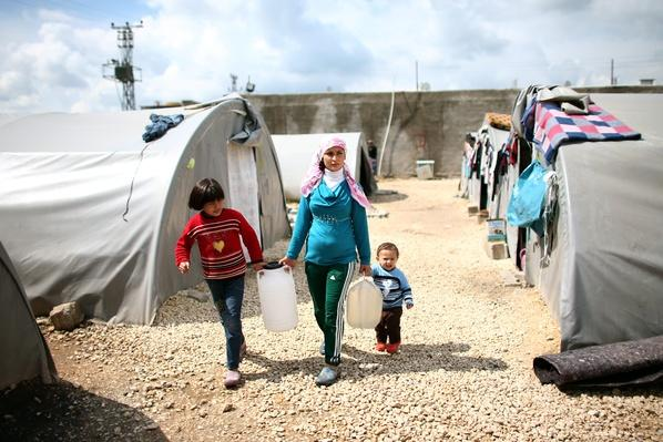 Syrian Refugees Seek Shelter In Turkey | Conflicts: Syria