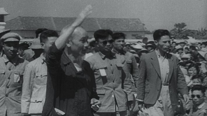 Hồ Chí Minh Shares His Power | Ken Burns: The Vietnam War