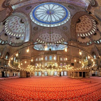 Interior of the Sultanahmet Mosque in Istanbul | Monuments and Buildings