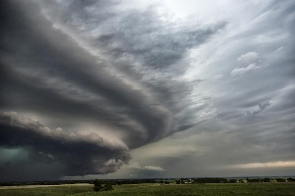 Wall cloud at front of an approaching storm | Weather