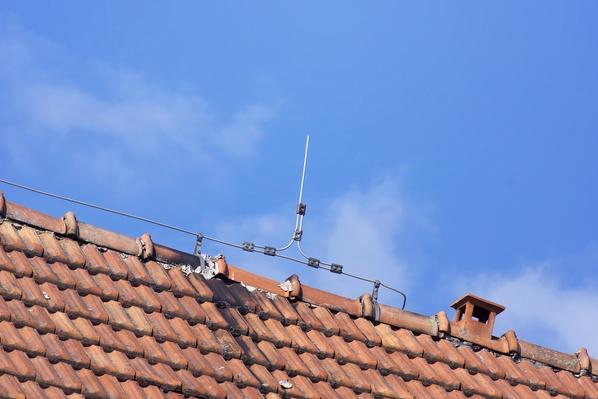 lightning rod wire on the roof of clay tiles | Weather
