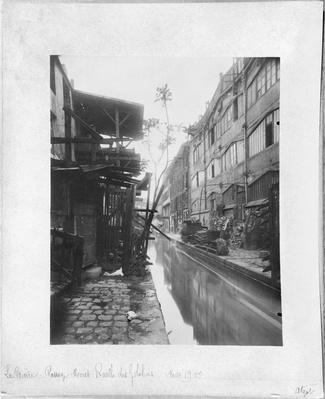 The Bievre, Passage Moret, Ruelle des Gobelins, Paris, May 1900