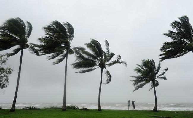 Cyclone Ita Hits Queensland Coast   Weather