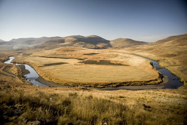 Maletsunyane River Forming Horseshoe, Highlands, Lesotho | Earth's Surface