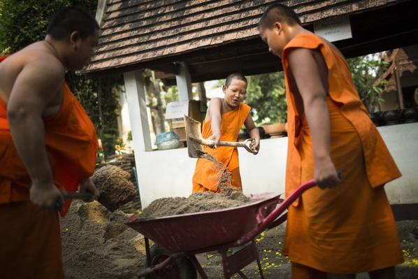 Sand is brought into temples for Songkran | World Religions: Buddhism