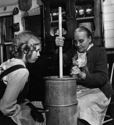 Churning Butter | U.S. Immigration | 1840's to present | U.S. History