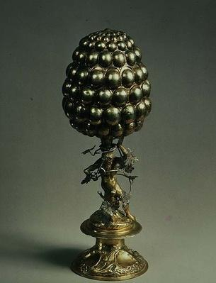 Table centrepiece in the form of a pineapple supported by a bearded man, Ausburg, 17th century