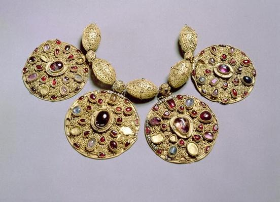 Medallions from 'Barmy Collar', with filigree and granulation decoration, Rayazan, 12th century